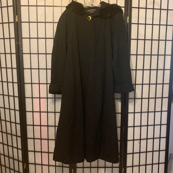 Vintage DonnyBrook Genuine Fur Trim Hooded Winter