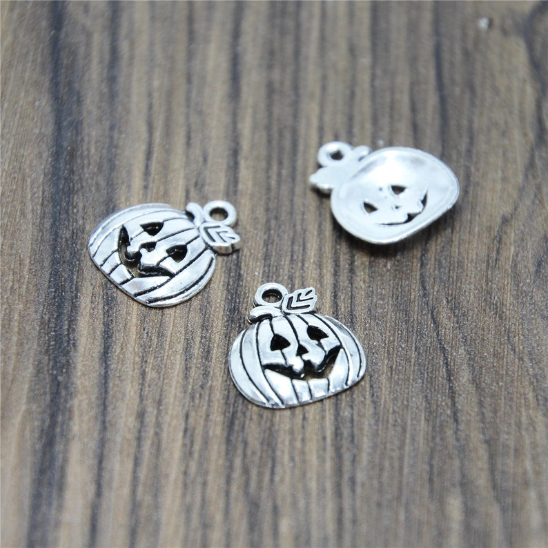 20pcs Halloween Pumpkin Charms  Silver Tone Pumpkin pendants charms 16x18mm