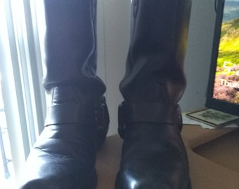 Men's Black Harness Boot.