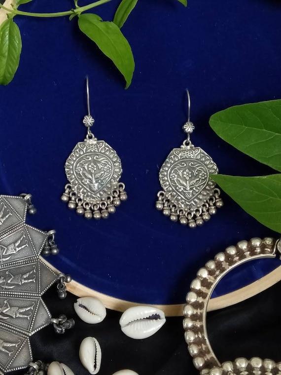 Antique Silver Drop Dangling Ear Wire earring/Mid-