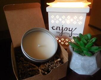 8 oz Fresh Flowers, Coconut, Musk &Sandalwood candle