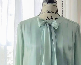 a9b261fe9cfc5 Vintage 1980 s Chanel Boutique Pleated Silk Blouse