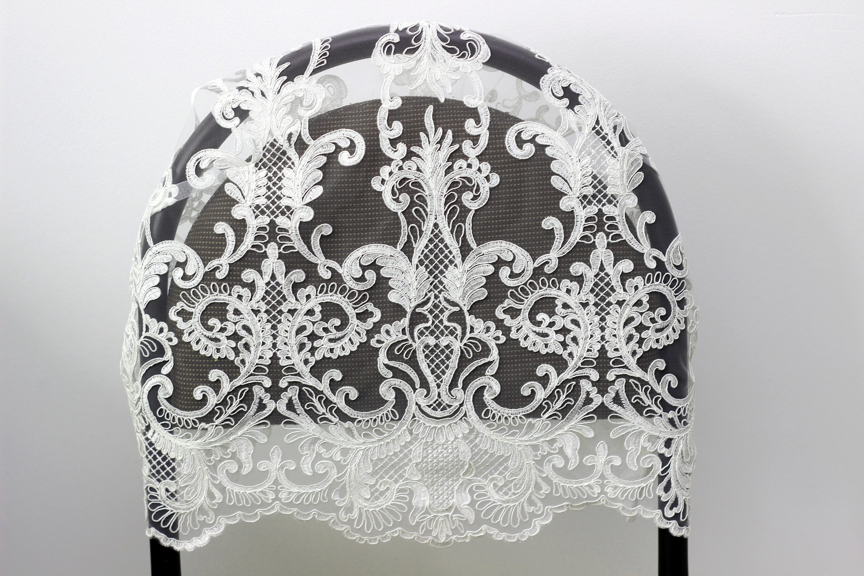 Cordon de tissu en dentelle Ivoire avec rétro floral floral floral alencon les deux côtés gipure Français festonné brodé dentelle tissu robe de mariée voile largeur-135 cm dc400d