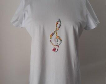 Mai sottovalutare una ragazza con un regalo di violino Maglietta