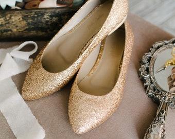 88aa505b6968 Gold wedding shoes
