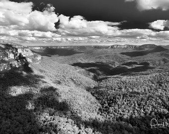 Jamison Valley, Photographic Print looking out over the Blue Mountains