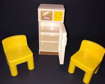 Wonderful Vintage Little Tikes Dollhouse Refrigerator And Two Chairs