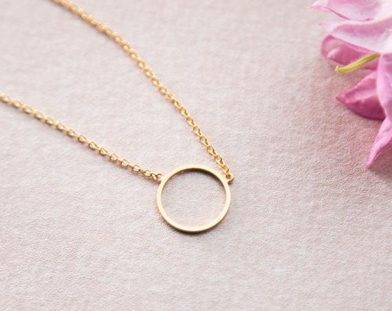 Minimalist chain circle, ring, short and round shaped in gold finished brass. Minimalist and filigree. Lemonandpinkberlin