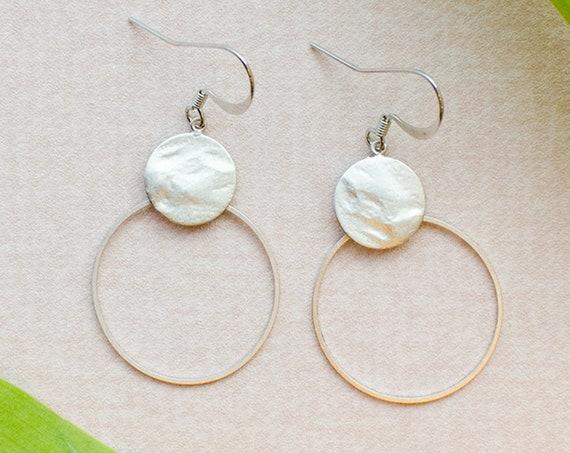 Filigree Earrings Silver colored. Hammered plate to me tender ring. Lemon & Pink-Design Berlin