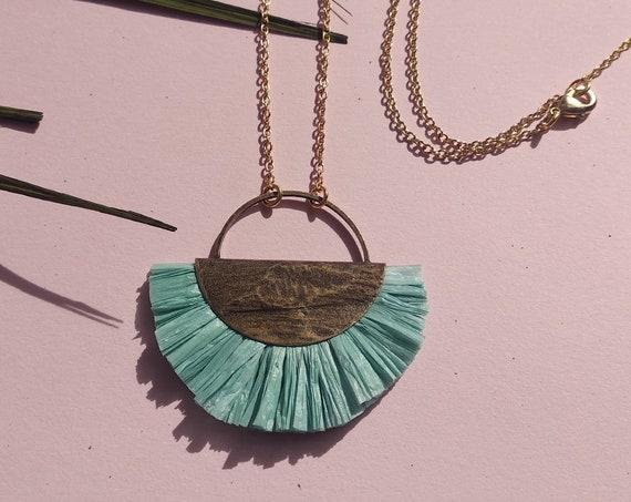 Boho hippie necklace mint, bast pendant long chain, antique brass, Lemonandpink