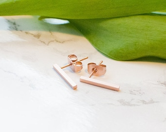 Rod studs Matt, plain in Rosegold finished brass. Minimalist, simple, filigree and discreet.