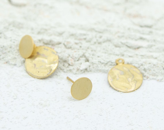 2 in 1 studs gilded brass. With round plate pendant. Matte and shiny surface, with or without plate portable