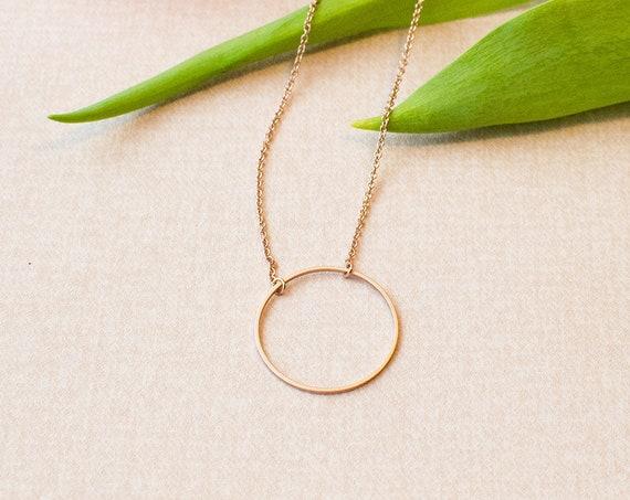 Minimalist circular chain short, discreet, ring, Matt. Rose gold refined brass.