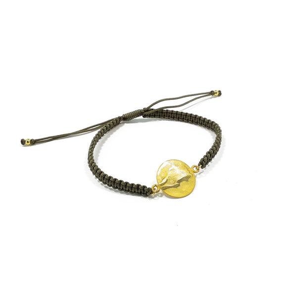 Zartes Plättchenarmband gold farbig, vergoldetes Messing, Matt und Glanz. Mit Textilband, verstellbar. Minimalistisch Friendshiplook