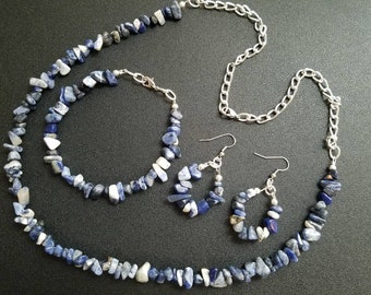Blue chipped gem set