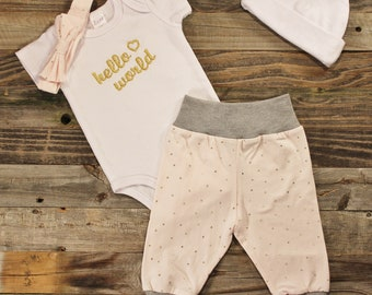 Personalized Baby Girl Coming Home Outfit. Personalized Newborn Coming Home Outfit. Coming Home Outfit. Newborn Outfit. Baby Girl outfit