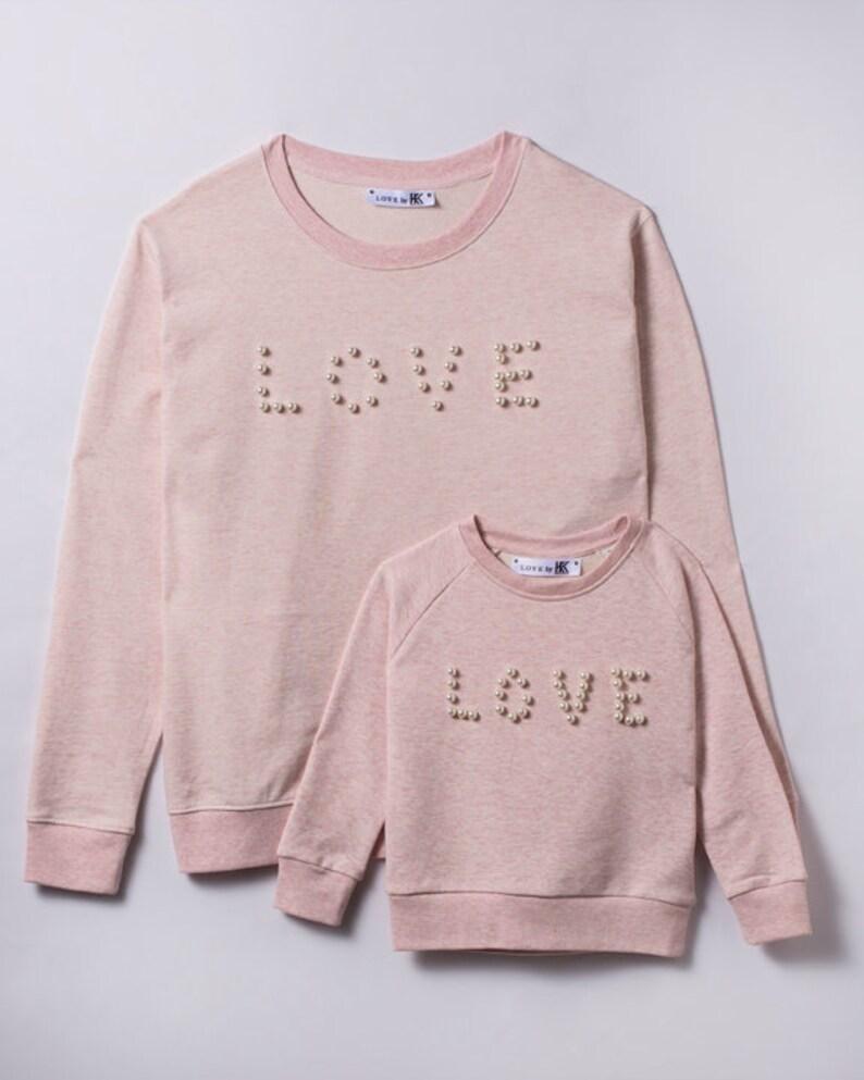 Fairwear Pullover Motiv Love mit Perlen verarbeitet M\u00e4dchen Pullover Perlen nachhaltig hergestellt