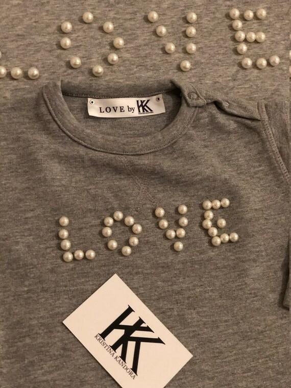 Mutter Tochter Pullover, Fairwear Partneroutfit, Motiv Love, mit Perlen verarbeitet, nachhaltig hergestellt