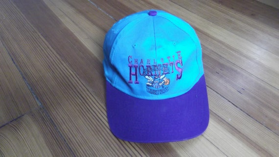 Vintage 90s CHARLOTTE HORNETS NBA Charlotte Hornets nba  54f286e8aa2