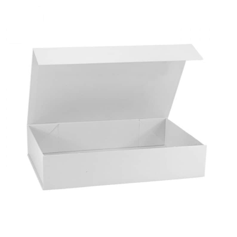 White Magnetic Gift Boxes In 3 Different Sizes White Gift Box Keepsakes Box Gift Boxes With Lids Magnetic Gift Box Gift Box