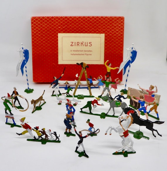 Pewter Circus 21 hand Painted Figures