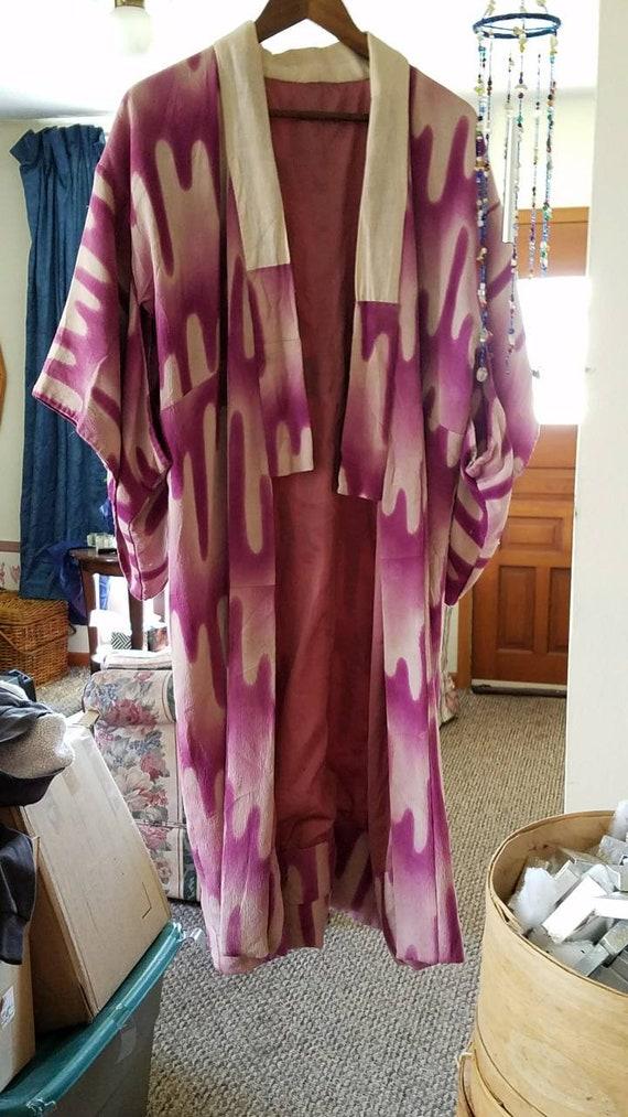 Kimono. Antique. Very traditional Japanese Kimono
