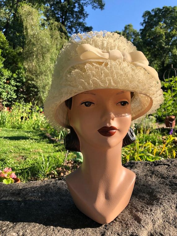 60's Ladies Lace Hat/Vintage Lace Hat/60's Hats/La