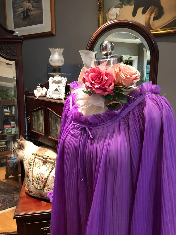 GORGEOUS Purple BABYDOLL Nightgown/60's Bell Slee… - image 9