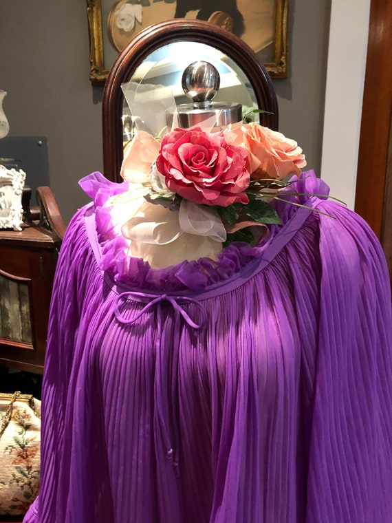GORGEOUS Purple BABYDOLL Nightgown/60's Bell Slee… - image 1