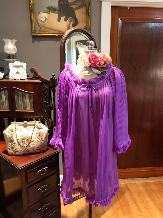 GORGEOUS Purple BABYDOLL Nightgown/60's Bell Slee… - image 2