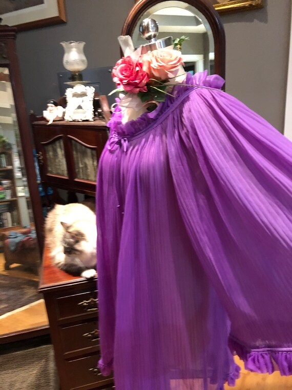 GORGEOUS Purple BABYDOLL Nightgown/60's Bell Slee… - image 6