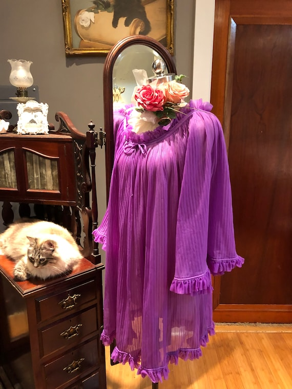 GORGEOUS Purple BABYDOLL Nightgown/60's Bell Slee… - image 10