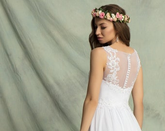 Lovely Chiffon Empire Wedding Dress With Lace