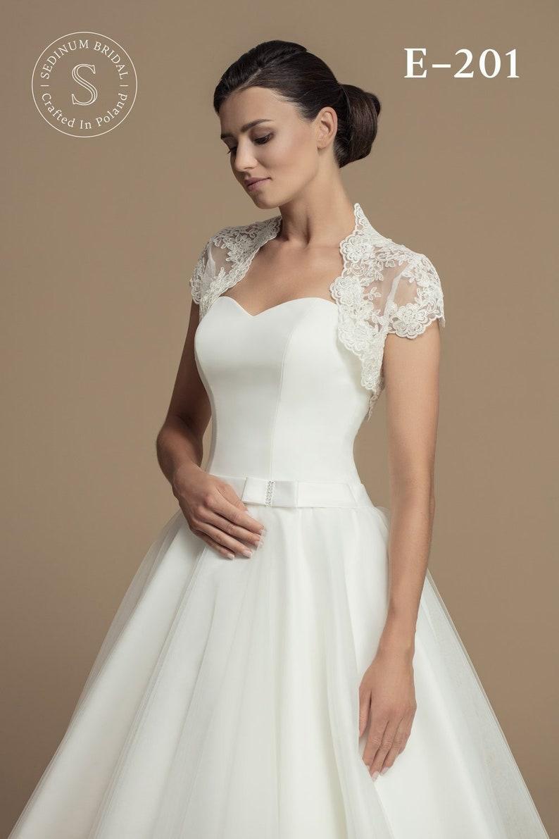 80a2b4204750 Bridal Bolero Lace Short   Etsy