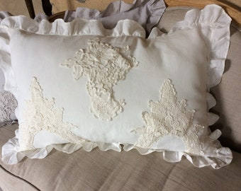 Cushion 100% linen ruffle round and old lace applications