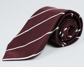 100% Jacquard Silk 3 Fold Self-Tipped Tie