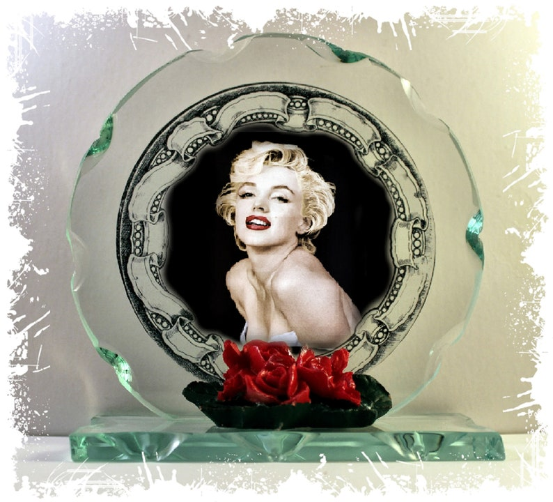 Marilyn Monroe Cut Glass Round Plaque Valentine Limited image 0
