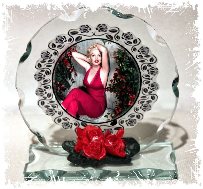 Marilyn Monroe Norma Jeane Cut Glass Round Plaque Valentine image 0