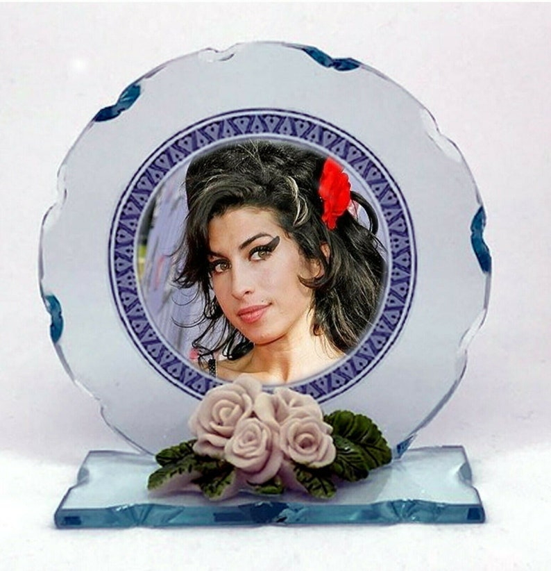 Amy Winehouse Back To Black Cut Glass Round Plaque Limited image 0