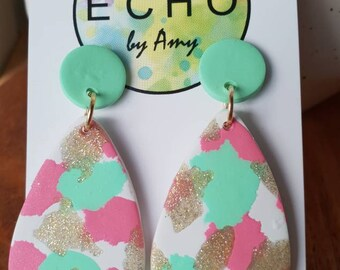 Pink, mint and gold on white - teardrop