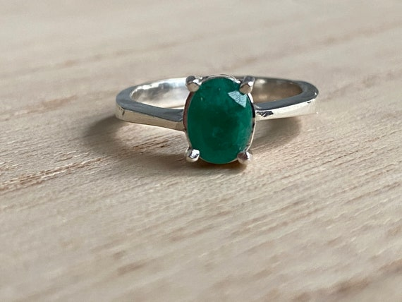 Size 8 Certified Genuine Colombian emerald ring, silver 925, real natural emerald, size 8, carats 0.8