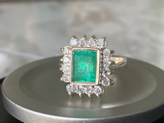 Size 7.5 Genuine Colombian emerald ring, silver 925, real natural emerald, size 7.5, carats 2.2