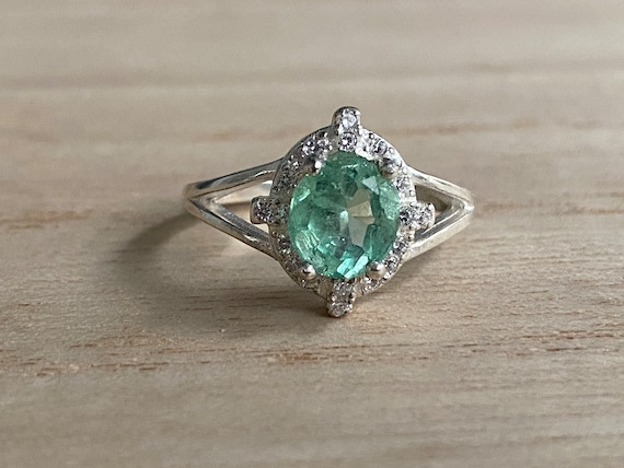 Size 6.5 Certified Genuine Colombian emerald ring, silver 925, real natural emerald, size 6.5, carats 1.5