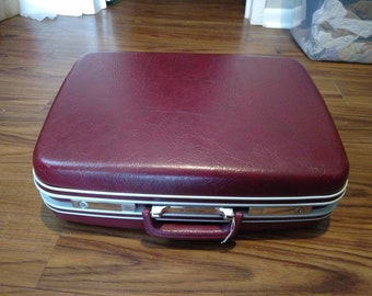 Vintage 1970s Samsonite Suitcase
