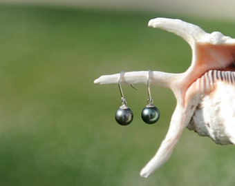 Tahitian pearls and Silver earrings
