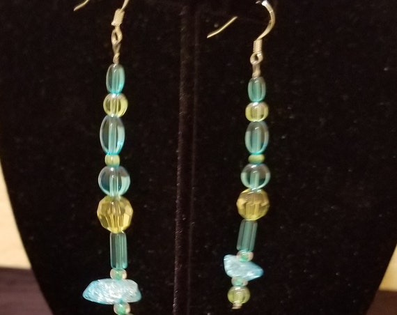 039E Aqua Green Stone Glass Earrings Only