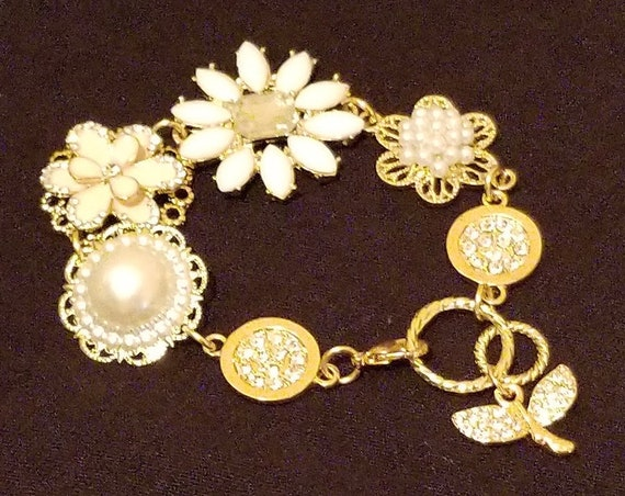 B40 Daisy Pearls