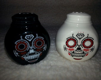 Unique Skull Goth Day of the Dead Salt and Pepper Shakers