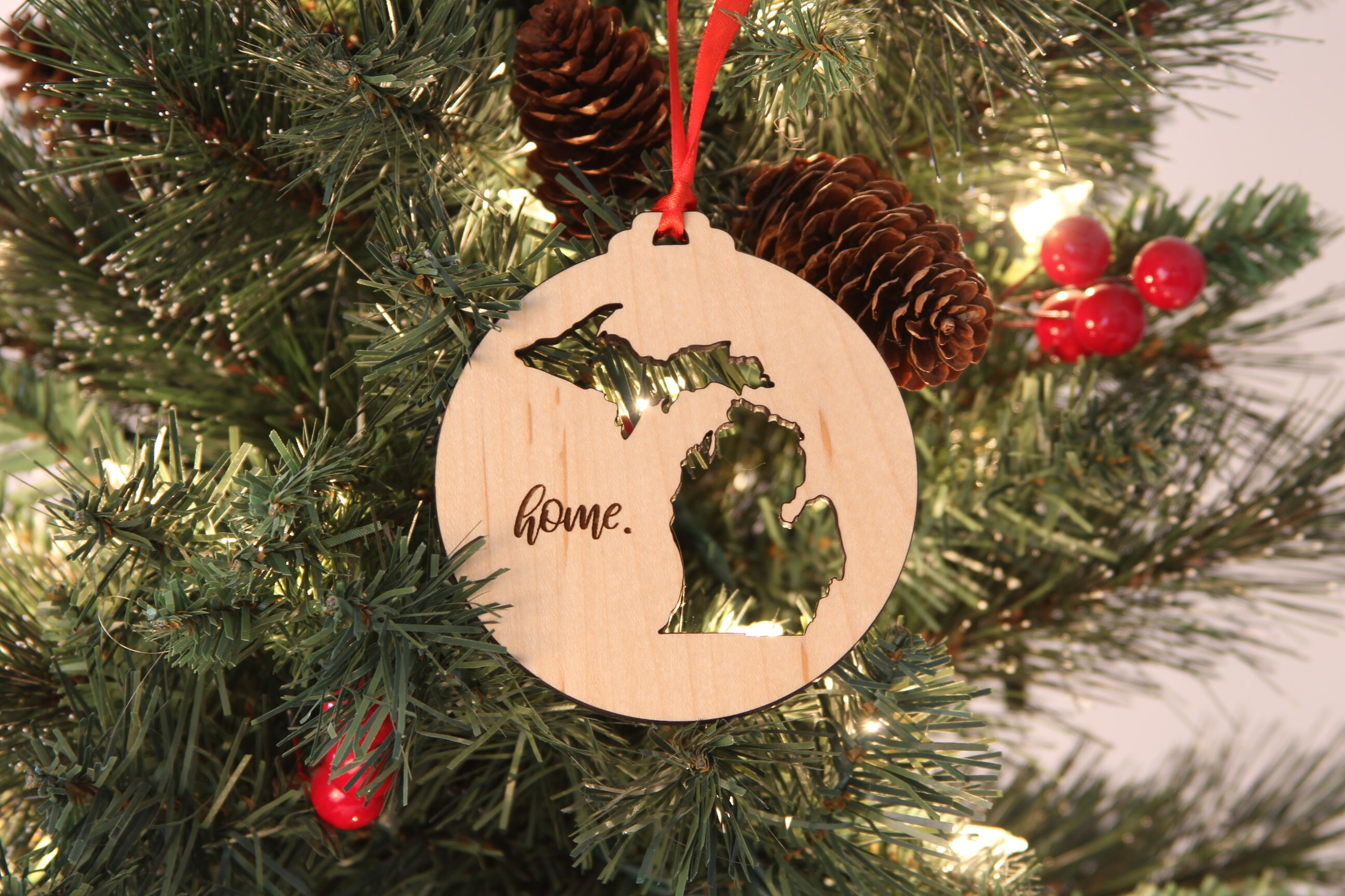 State of South Carolina Merry Christmas Engraved Wood Tree Ornament