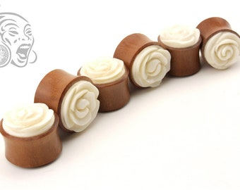 Saba Wood Plugs & Carved White Resin Flowers (12 to 20 mm)
